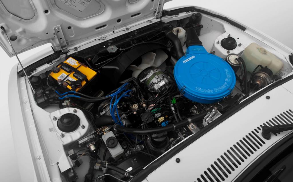 The Mazda RX-7 Wankel Engine