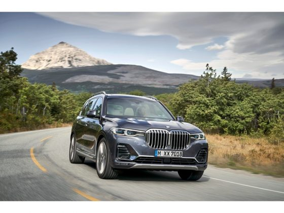 THE BMW X7 SUV/CROSSOVER
